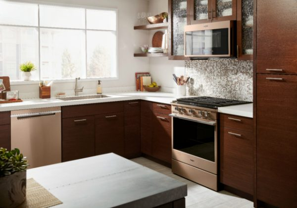 a picture of a kitchen showing appliances